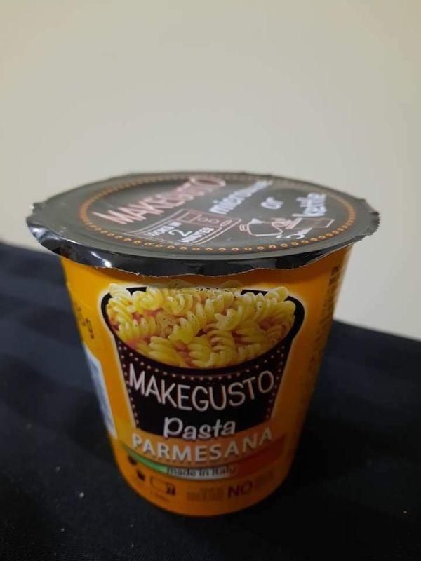 Pasta parmesana in tazza da microonde, Francia