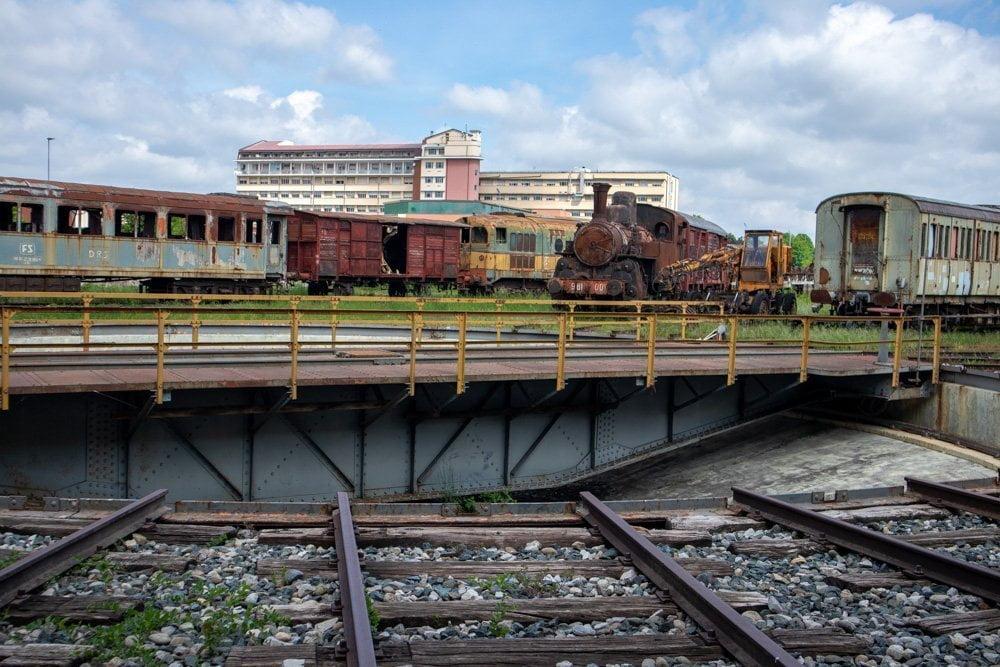 La piattaforma girevole del Museo Ferroviario Piemontese di Savigliano
