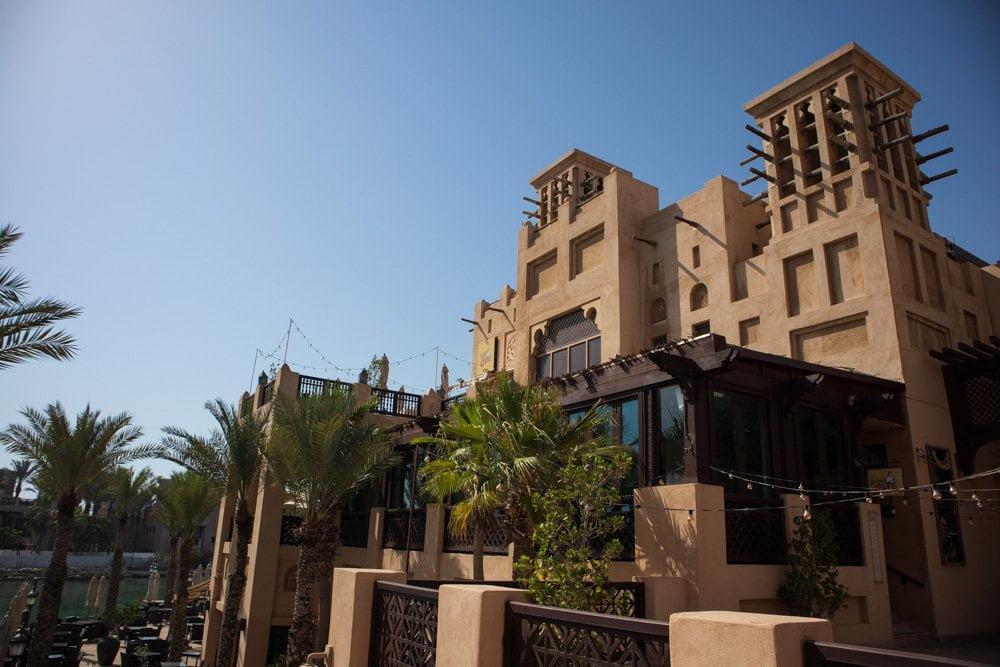 Architettura tradizionale al Souk Madinat a Dubai