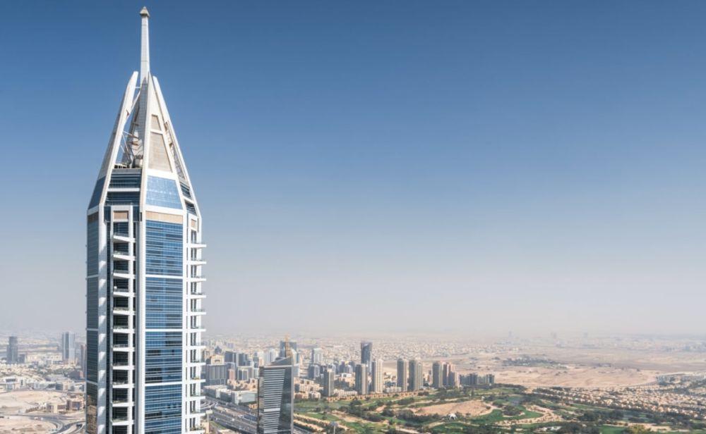 La cima del grattacielo 23 Marina a Dubai