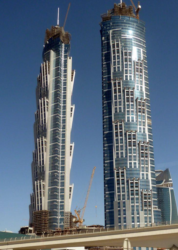 Le torri gemelle dell'hotel JW Marriott Marquis a Dubai