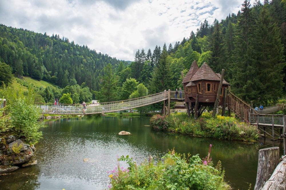 Area avventura per i più piccoli allo Steinwasen Park in Germania