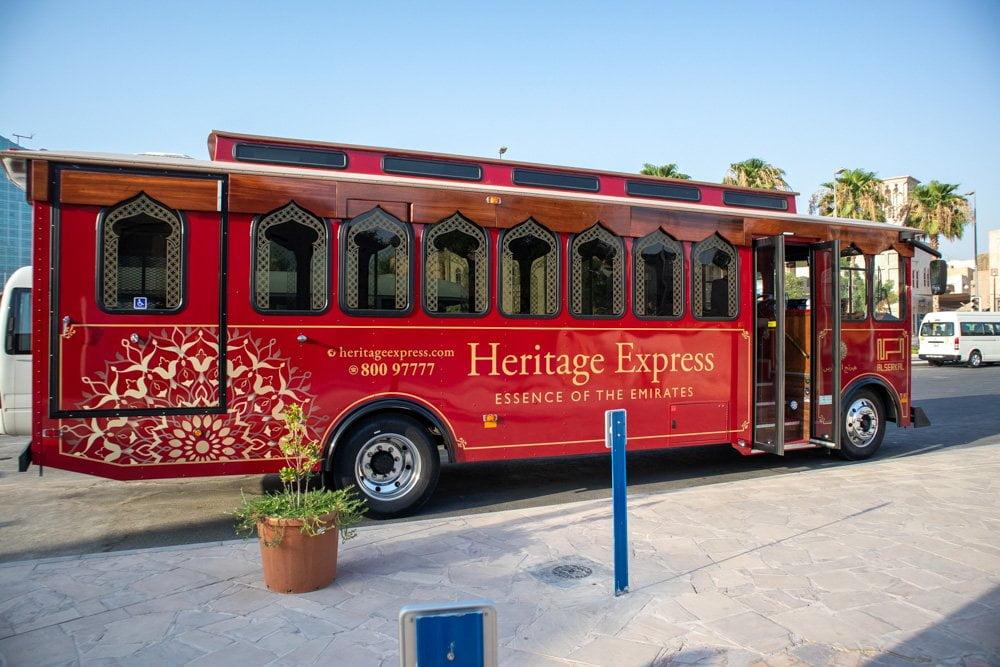 Bus Heritage Express del Centro per la Comprensione Culturale dello Sceicco Mohammed a Dubai