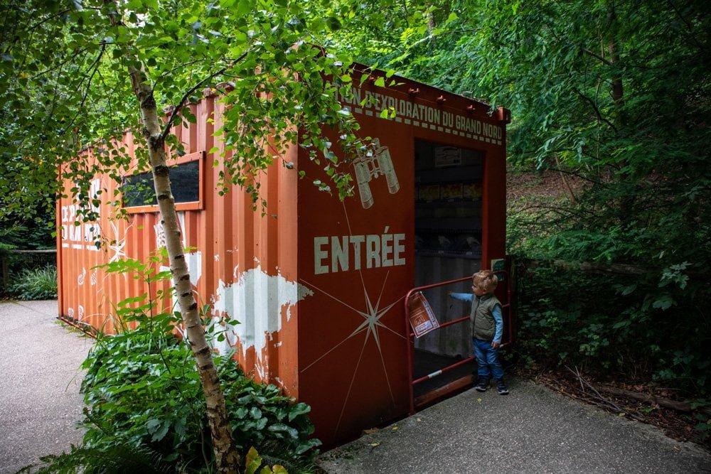 Installazione sulle esplorazioni polari allo Zoo di Mulhouse, in Francia