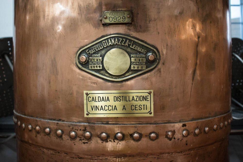 Particolare della caldaia di distillazione utilizzata dalla distilleria Villa de Varda
