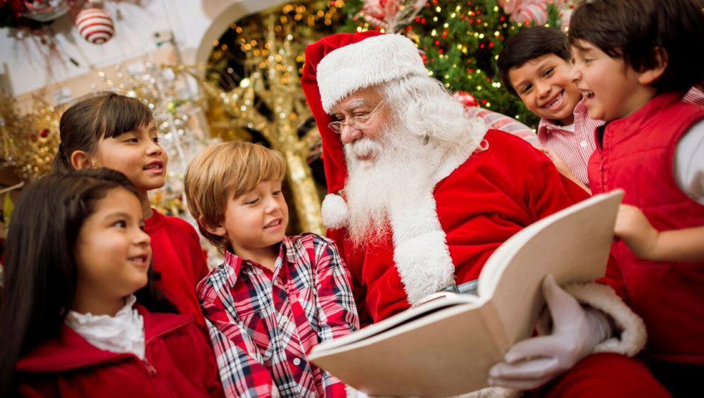 Babbo Natale con bambini