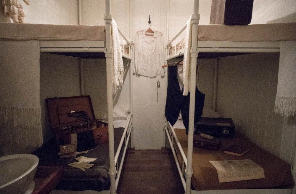 Riproduzione di una cabina di seconda classe nell'esposizione Memoria e Migrazioni al Galata Museo del Mare di Genova