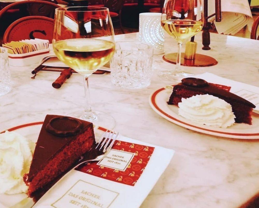 Torta Sacher al Café Sacher di Innsbruck