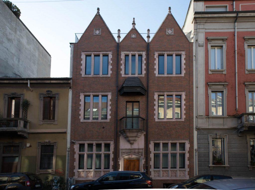 La casa 770 di via Poerio a Milano