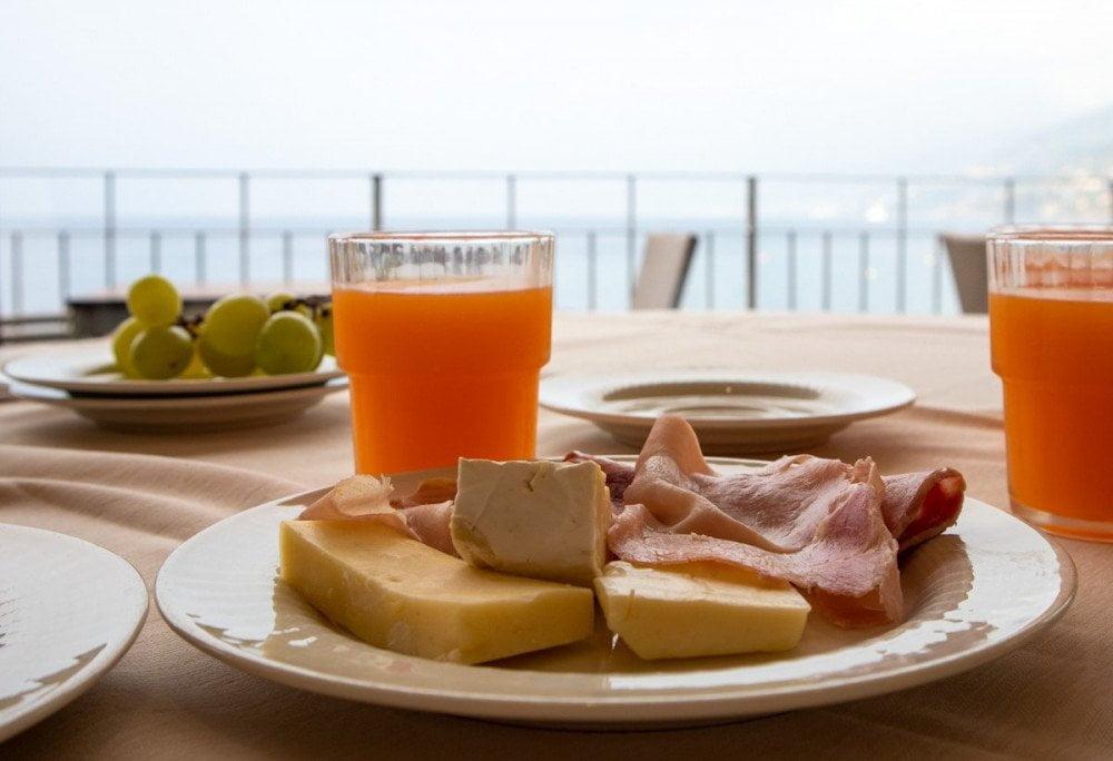 Colazione all'hotel Cenobio dei Dogi di Camogli