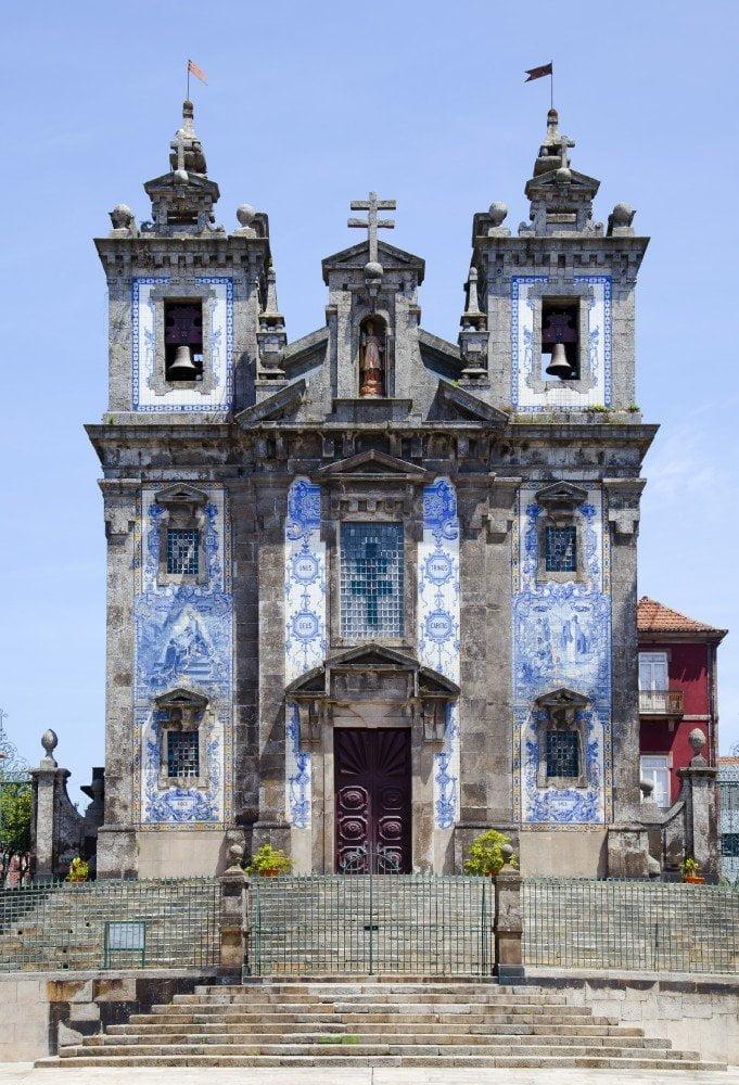 Facciata della chiesa di S.Ildefonso di Porto