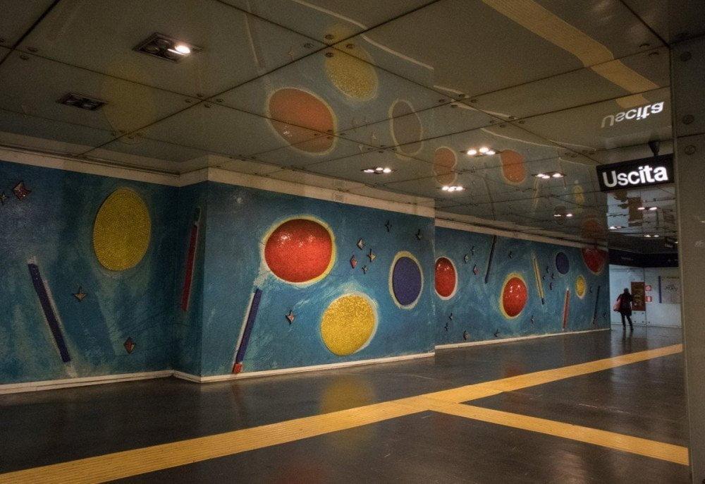 La fermata Dante della metropolitana di Napoli progettata da Gae Aulenti
