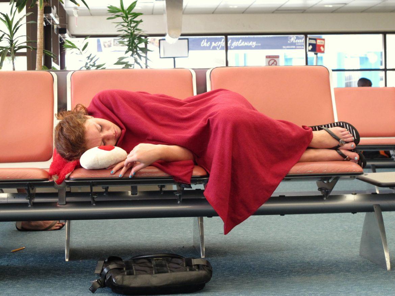 Dormire in aeroporto