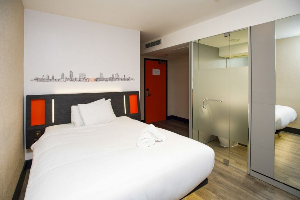 Camera dell'easyHotel di Leeds