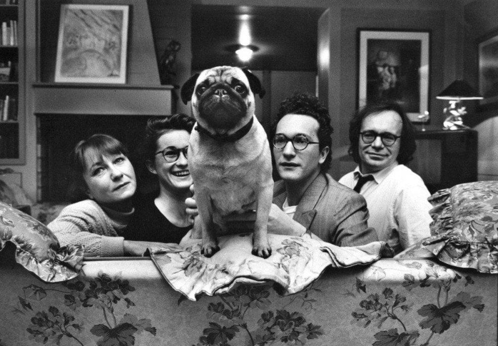 Famiglia parigina con cane fotografata da Elliott Erwitt