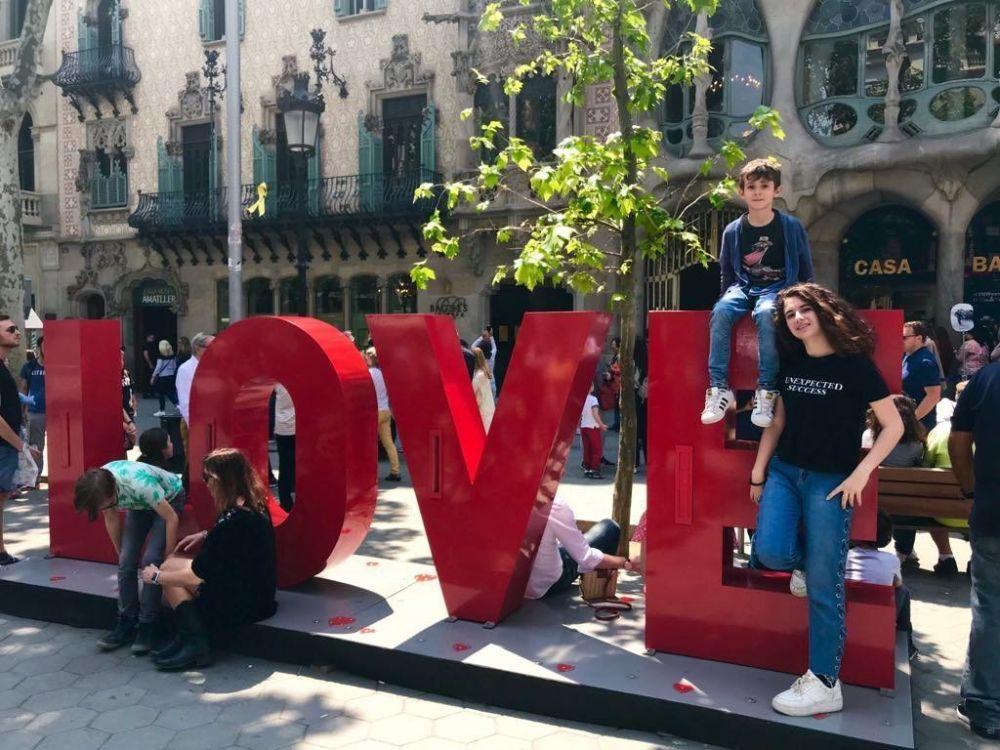 Famiglia in fuga a Barcellona