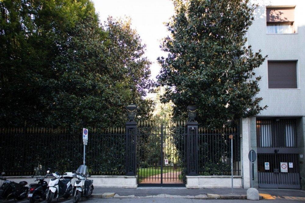 Cancello di Villa Invernizzi a Milano