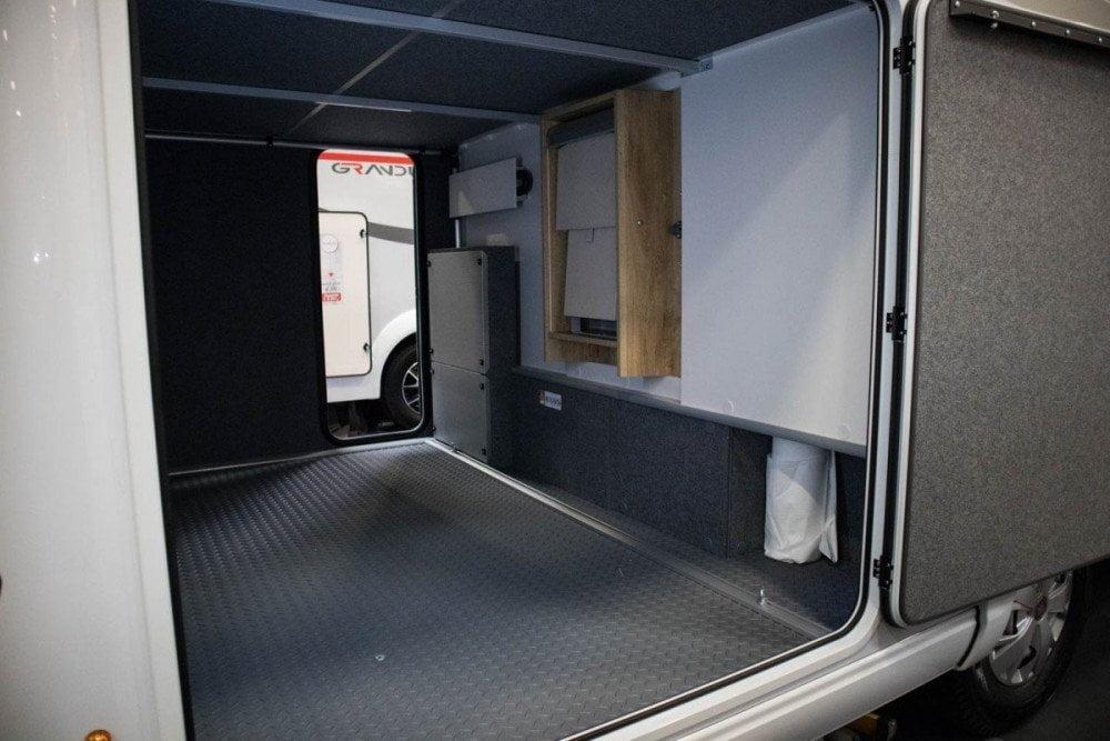 Garage di un camper alla fiera A Tutto Camper 2019 a Torino