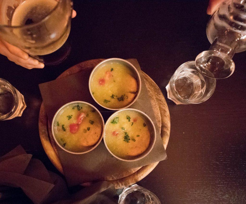 Zuppe e brindisi al pub ristorante Kowalski di Genova