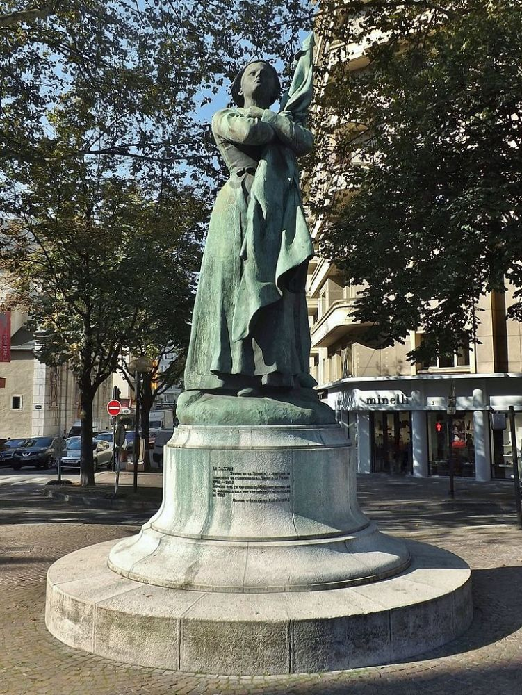 "Statua ""La Sasson"" a Chambery"