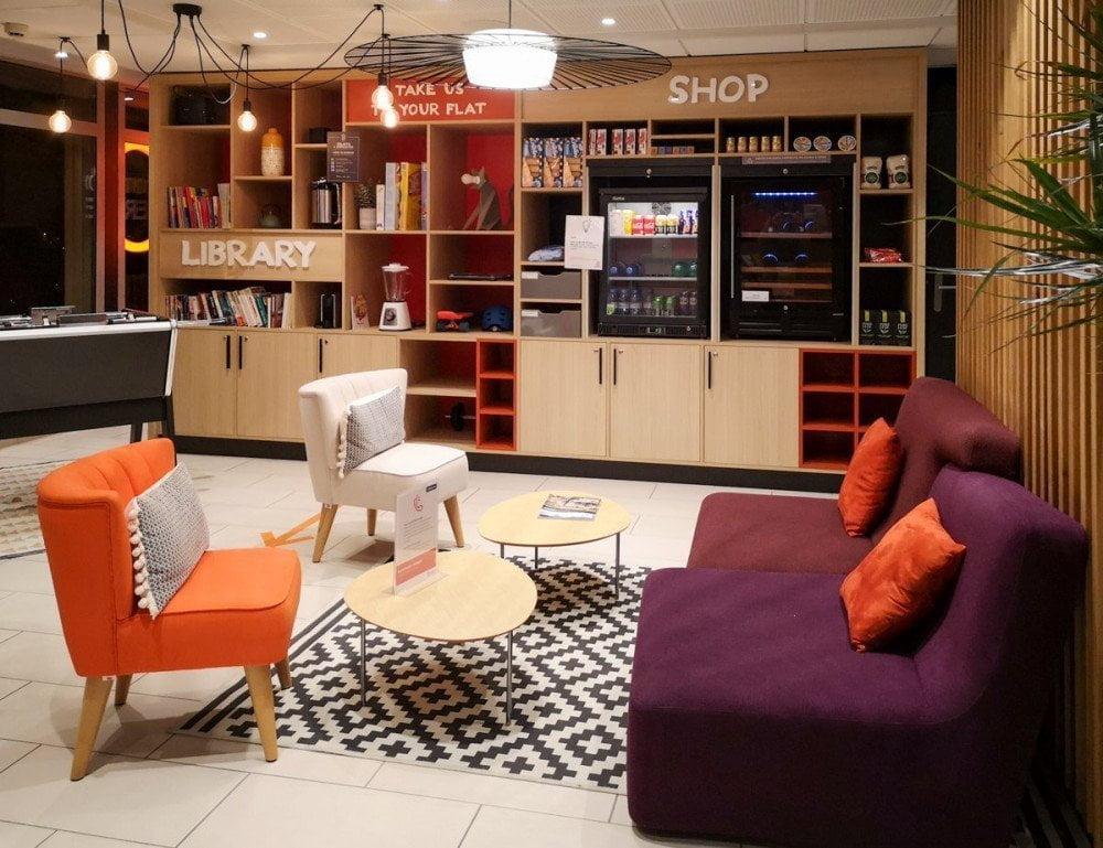 Lounge dell'Aparthotel Adagio Dijon République a Digione