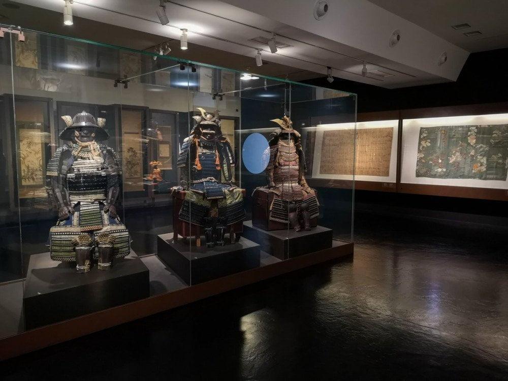 Armature di samurai in una delle sale dedicate al Giappone al MAO Museo d'Arte Orientale di Torino