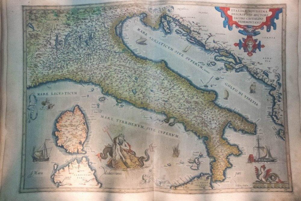 Antica mappa dell'Italia a Galata Museo del Mare di Genova