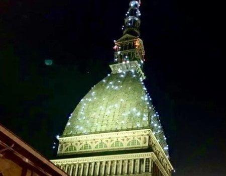 Mole Antonelliana illuminata per Natale