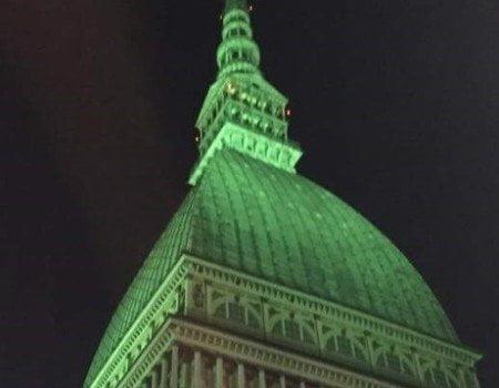 Mole Antonelliana illuminata di verde