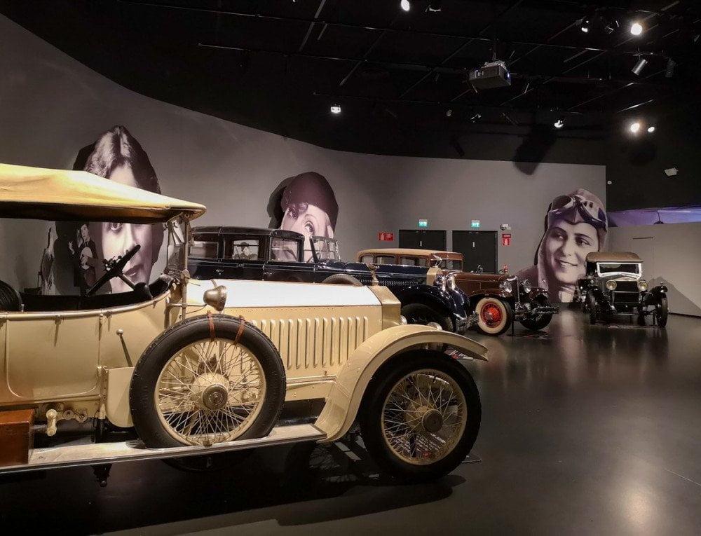 Auto d'epoca esposte al Museo dell'Automobile di Torino