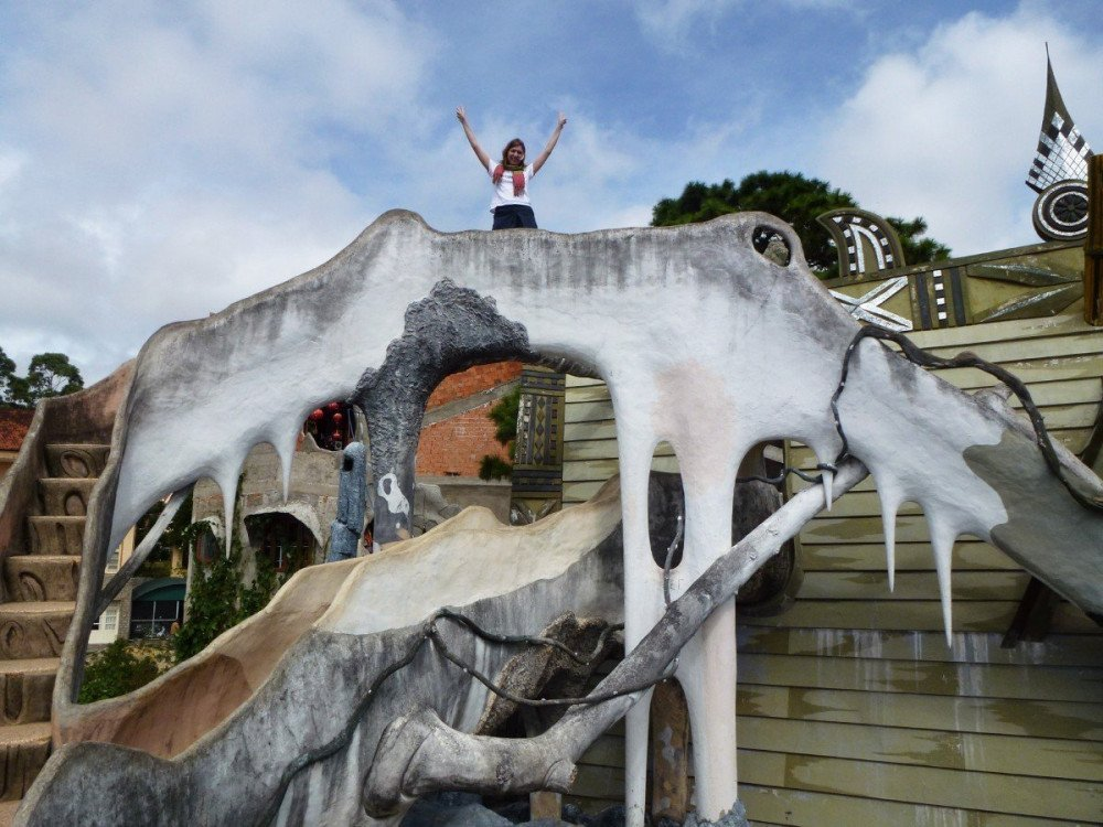 Paola Bertoni alla Casa Pazza (Crazy House) Hang Nga Guest House and Art Gallery di Dalat