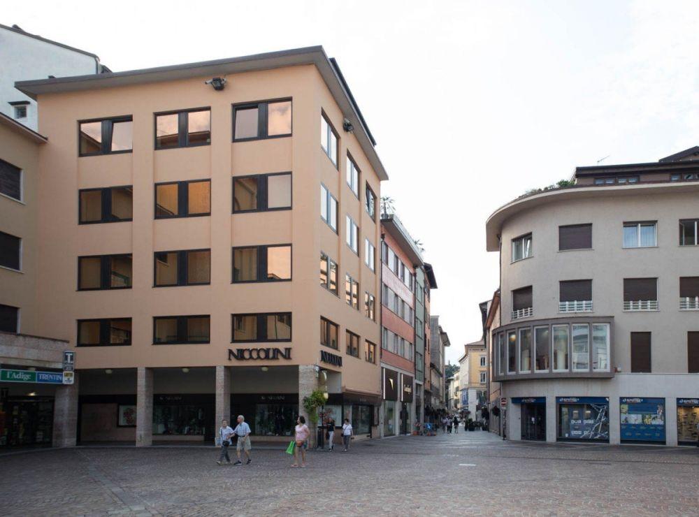 Piazza Italia - Cesare Battisti a Trento