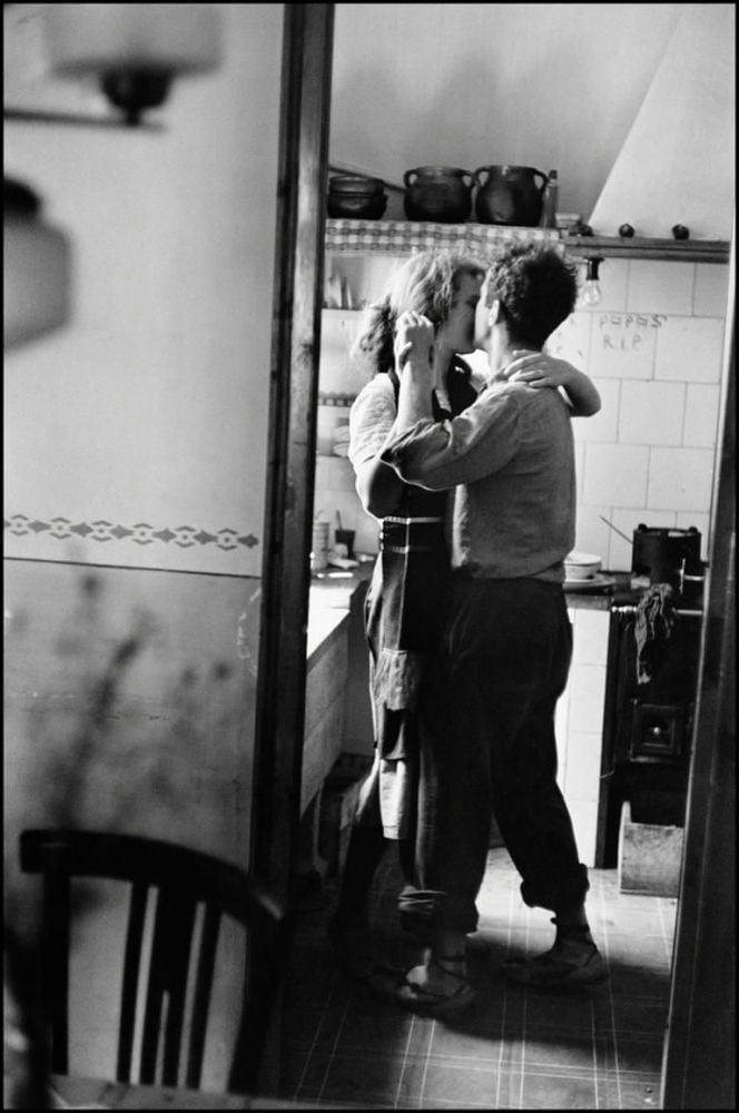 Robert Frank mentre balla, ritratto da Elliott Erwitt