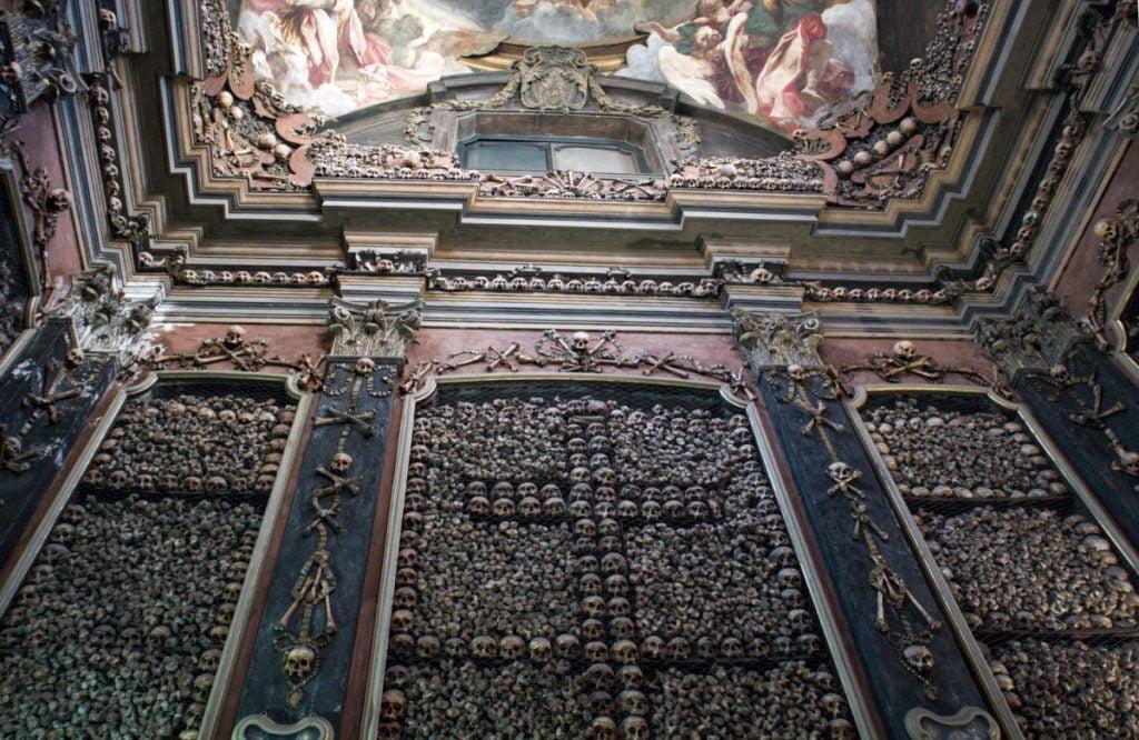 Ossario della chiesa di San Bernardino alle Ossa di Milano