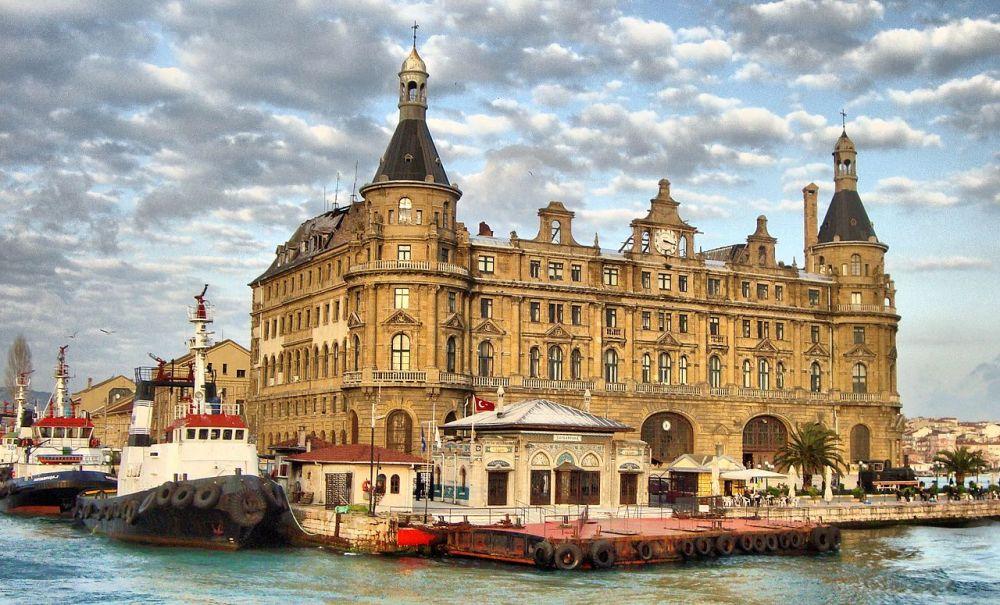 La stazione ferroviaria Haydarpaşa di Istanbul