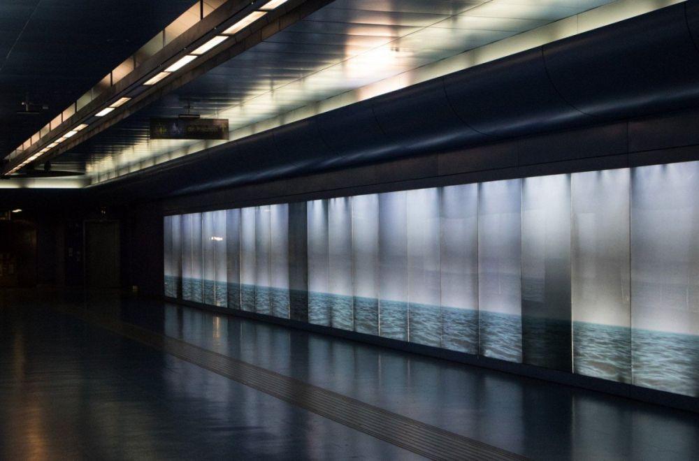Installazione By the sea… you and me di Robert Wilson alla fermata Toledo della metropolitana di Napoli