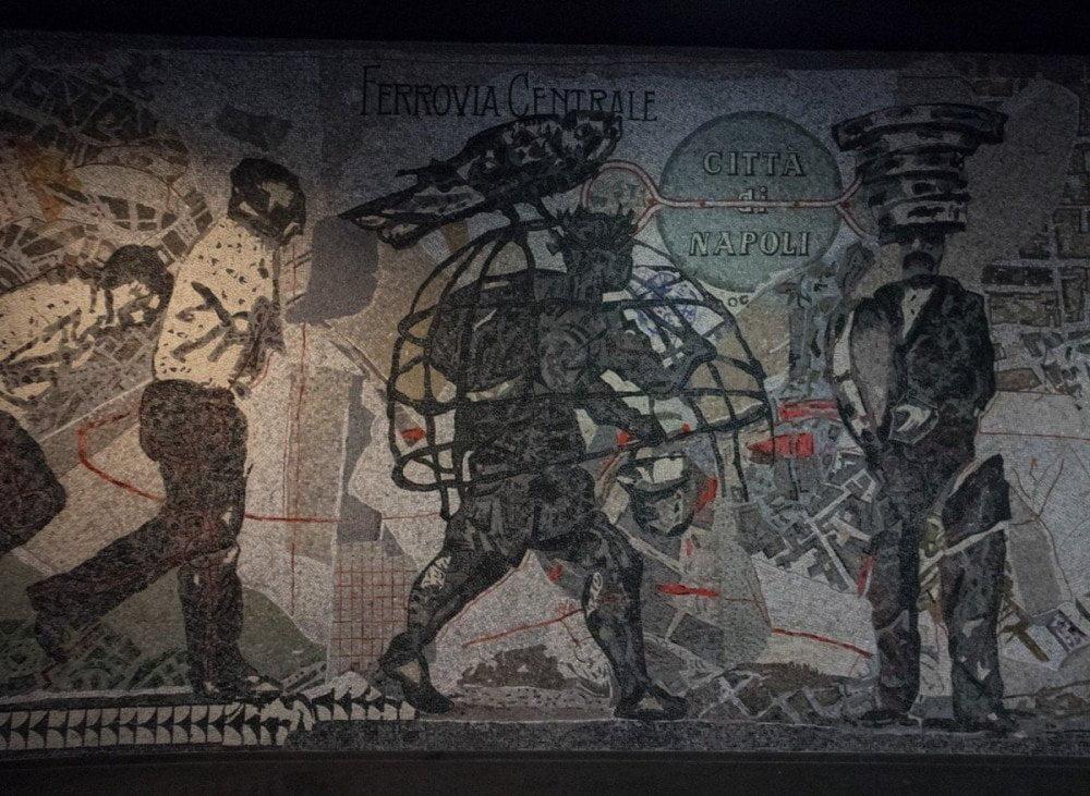 Mosaico di William Kentridge alla fermata Toledo della metropolitana di Napoli