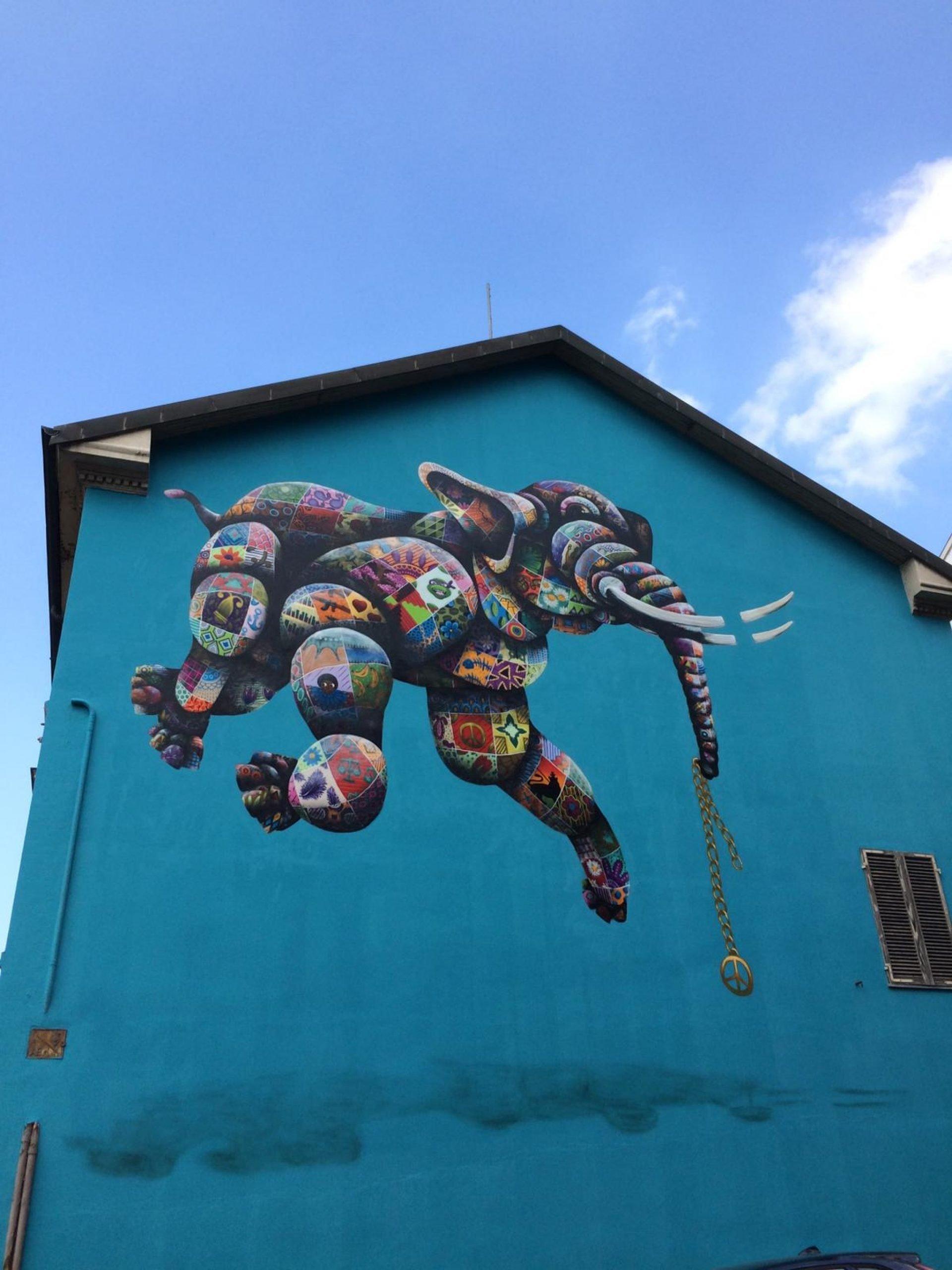 Murales Goal 16: Peace, Justice and Strong Institutions di Louis Masai a Torino per il progetto di arte urbana TOward 2030