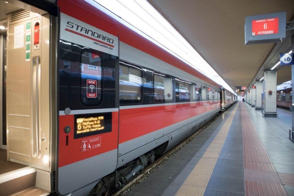 Recensione seconda classe standard treno Frecciarossa ETR 1000 Trenitalia