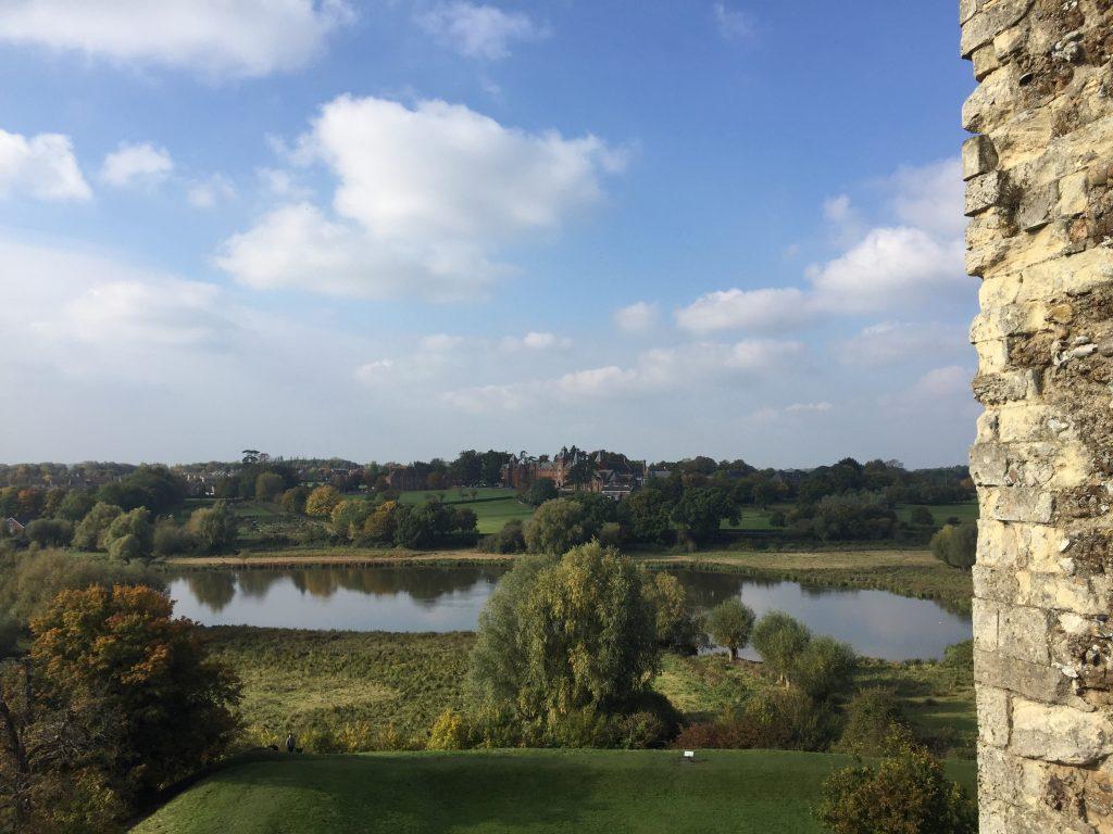 Vista sulla campagna inglese dalle mura del castello di Framlingham